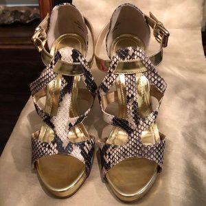 Shoe Dazzle Rumi Beige/Gold heels - ankle straps.